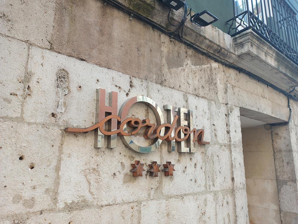 Cartel-Hotel-Cordon