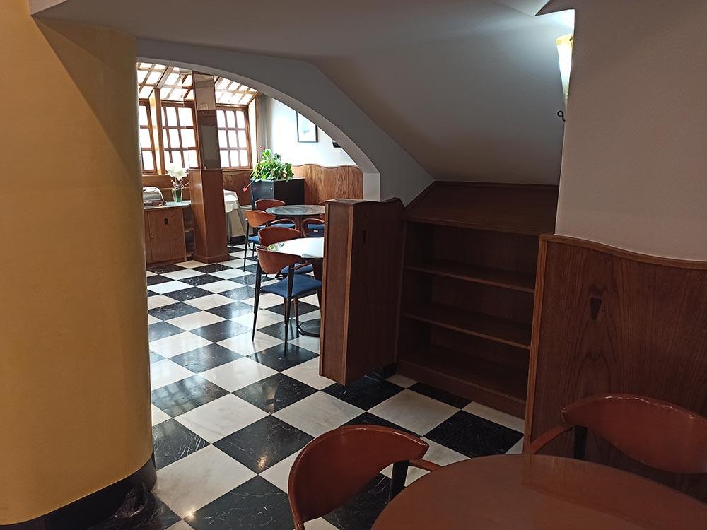 Hotel-Cordon-Cafeteria-4