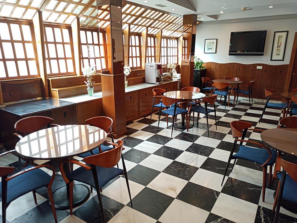 Hotel-Cordon-Cafeteria-6