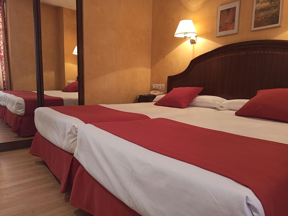 Hotel-Cordon-Junior-Suite-3