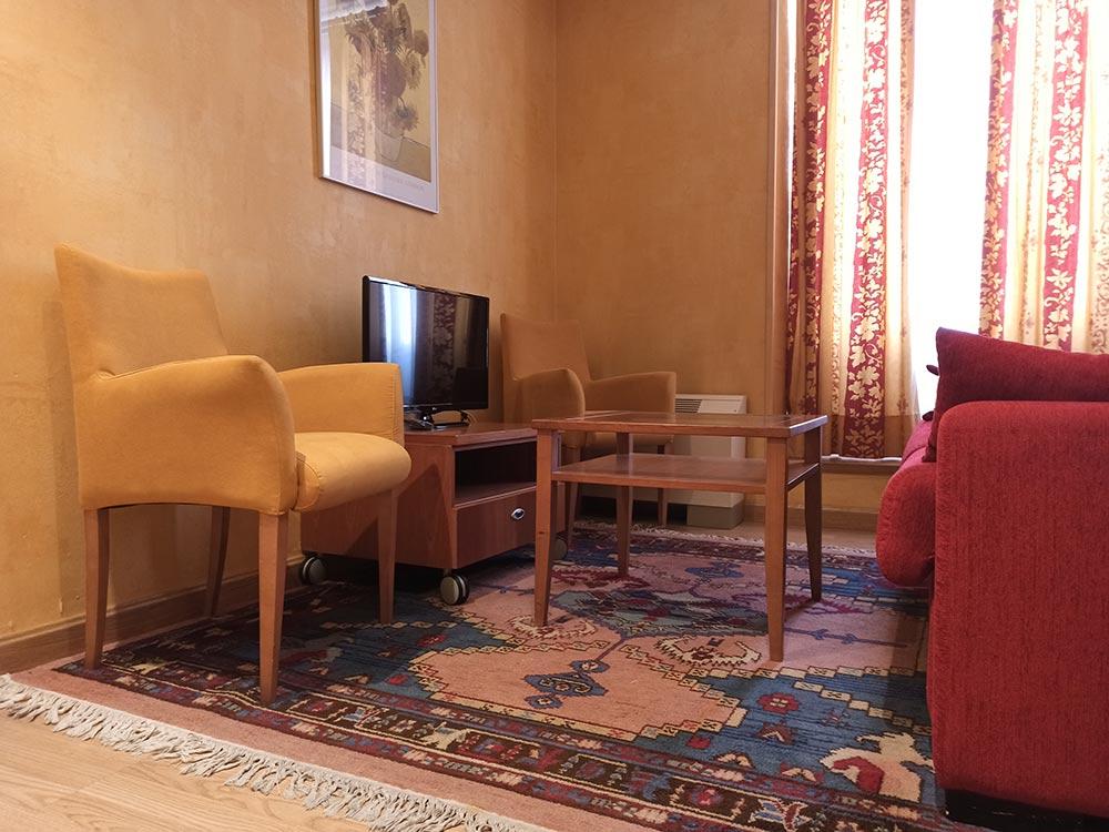 Hotel-Cordon-Junior-Suite-6